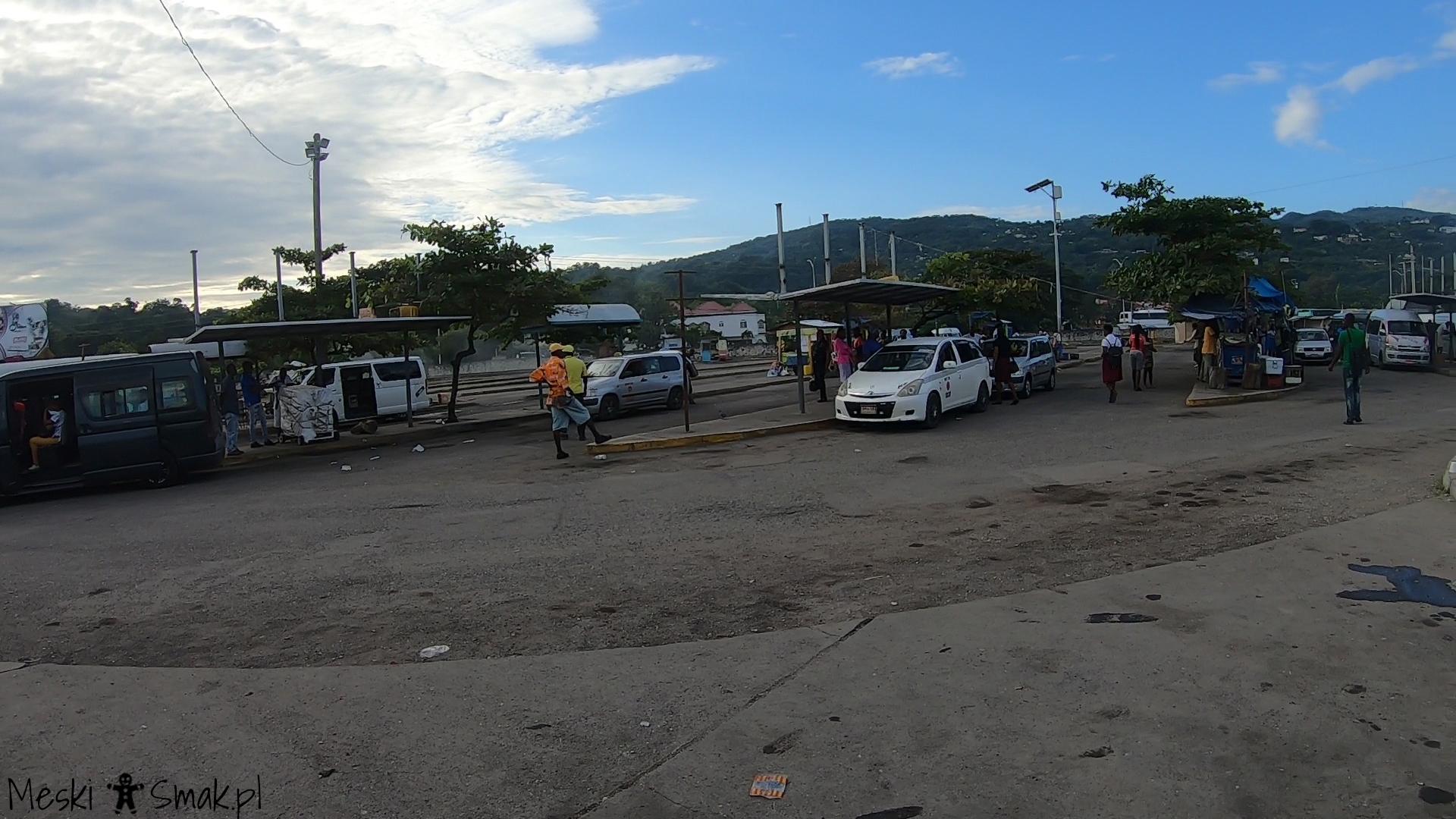 jamajka blog_Postój busów i taksówek w Ocho Rios