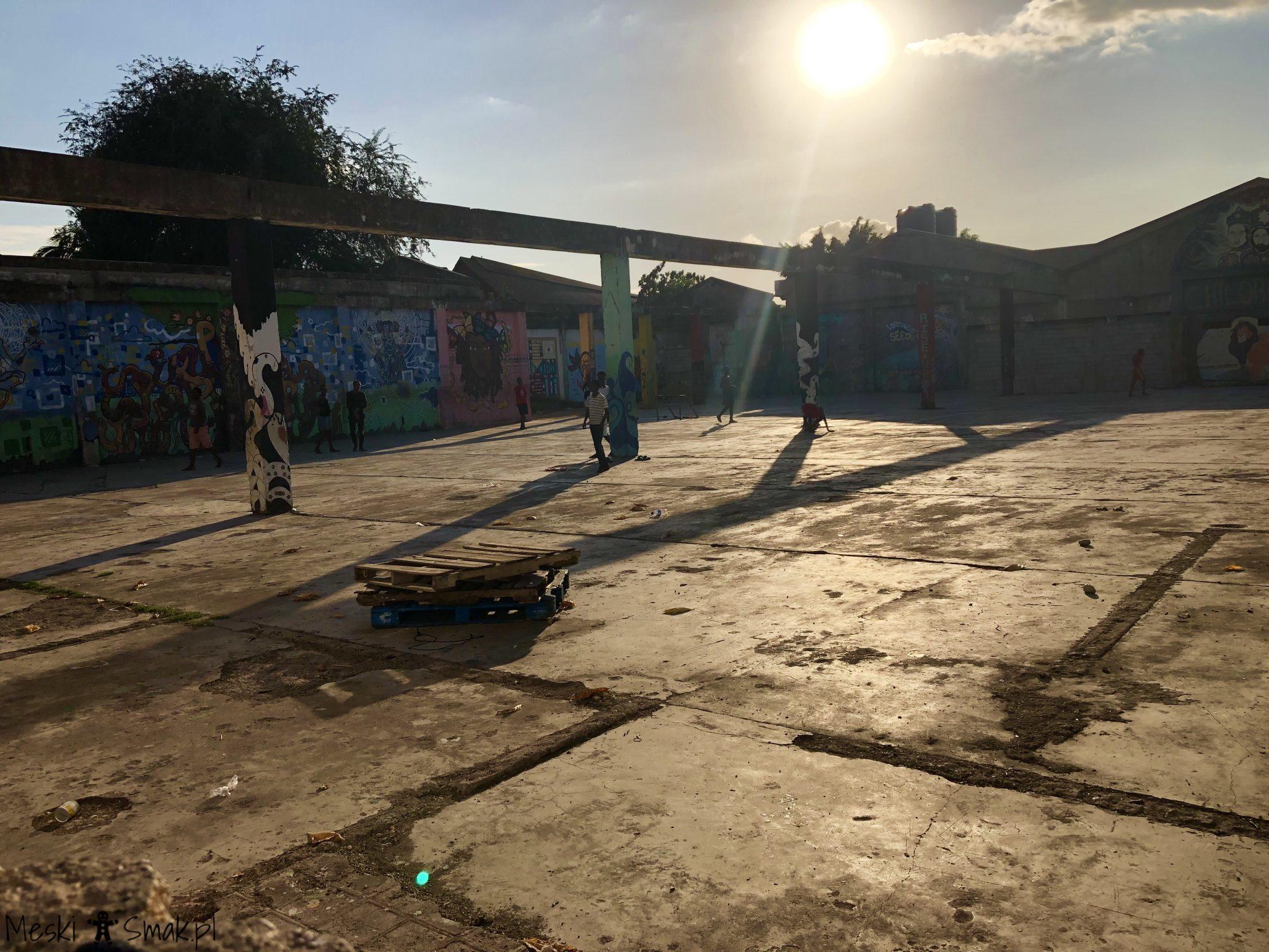 Wakacje i wycieczki Jamajka_wszystko o Life Yard w Kingston 6